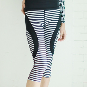 STRIPE CROP WATER LEGGIGNS